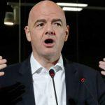 Presidente da Fifa diz que árbitros vão responder à reclamação do Brasil