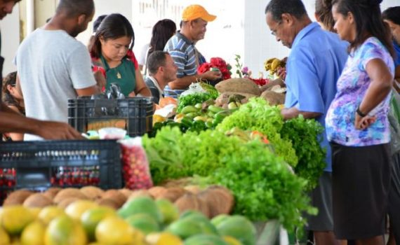 Cecaf funciona normalmente e mercados públicos têm expediente alterado no feriado