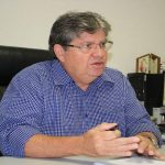 João Azevedo afirma que não recebeu convite de Jair Bolsonaro para participar de reunião